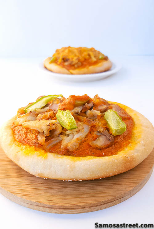 Mini Butter Chicken Pizza